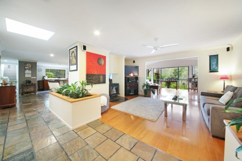 PRIVATE ESTABLISHED RESIDENCE  TWO MASTER BEDROOMS