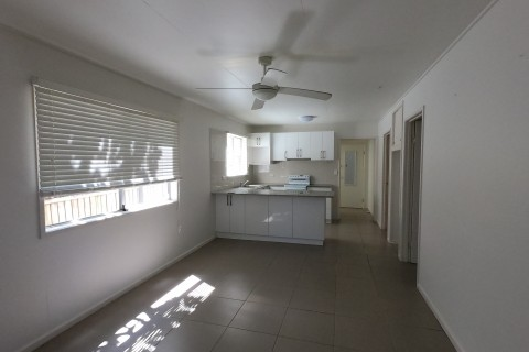 Two bedroom ground floor unit – seconds to the beach!